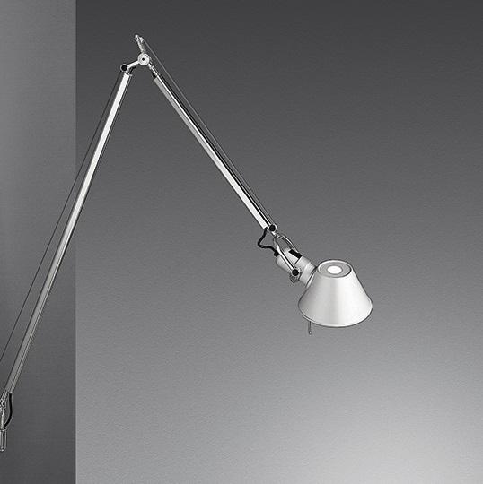 Tolomeo Braccio Aplique Aluminio pulido con interruptor regulable LED