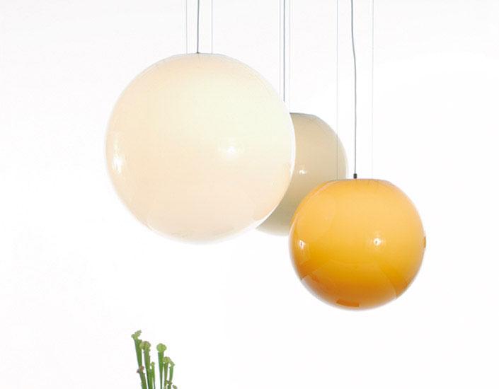 Back Light 45 Colgante E27 1x105W blanca con Florón negro Cromo