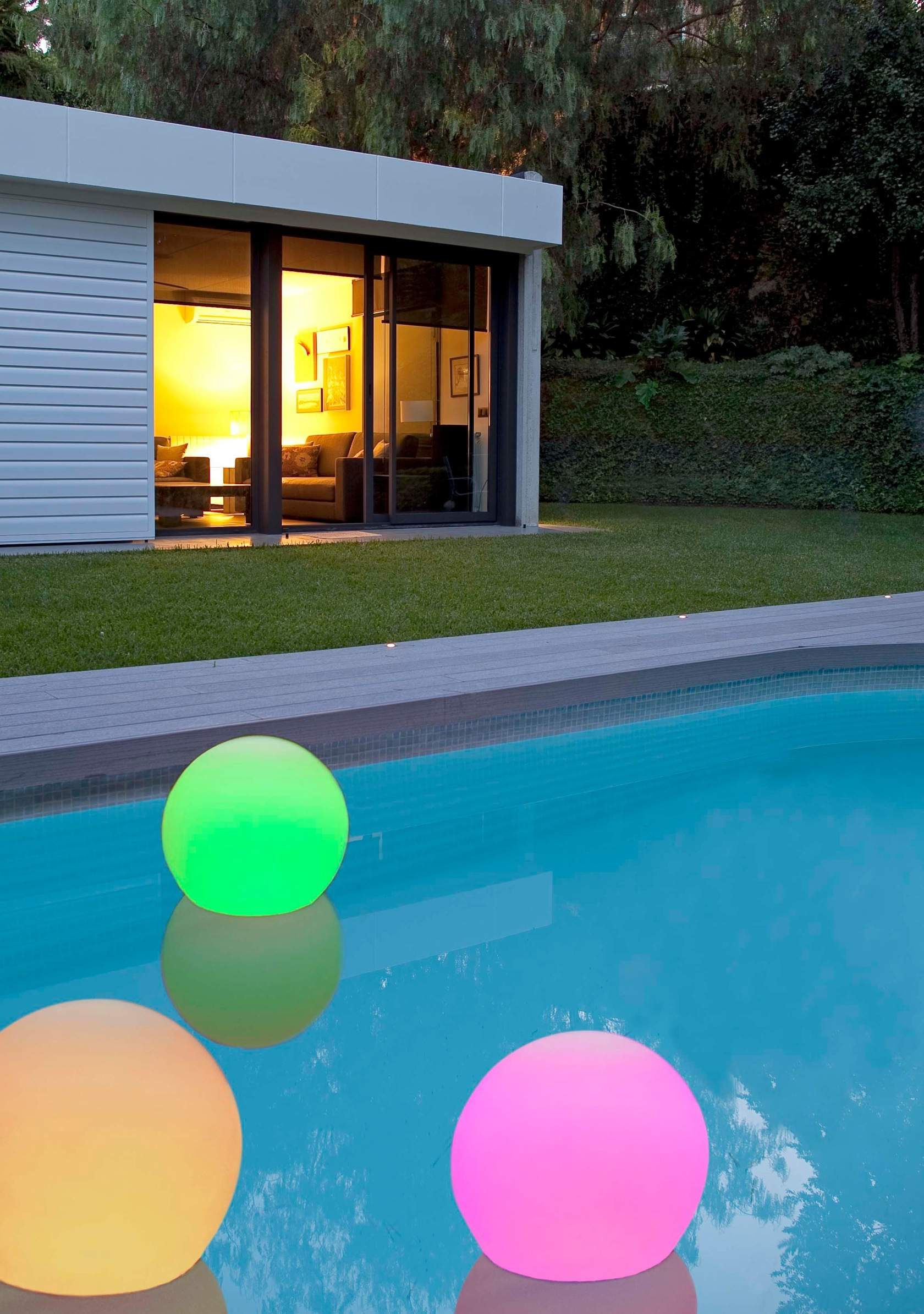 Ball 30 Bola swimming Pool white batería recargable 48led rgb ø30 cm