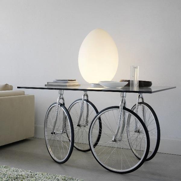Tour table carré avec roues pivotantes 120x120x75cm