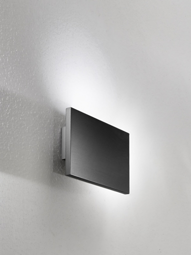 Tratto Wall Lamp 24cm LED 16,8w Doble beam Black