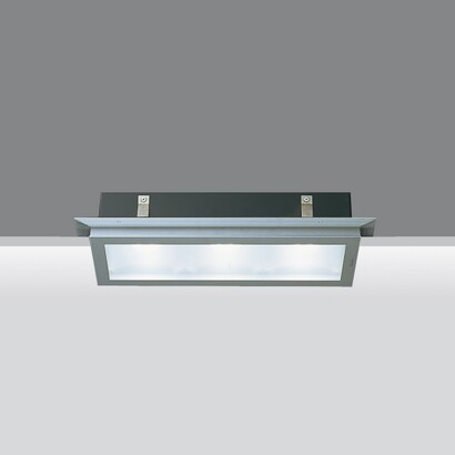 Light Shed Modelo 3 körper óptica simétrica 3x50W QT 12
