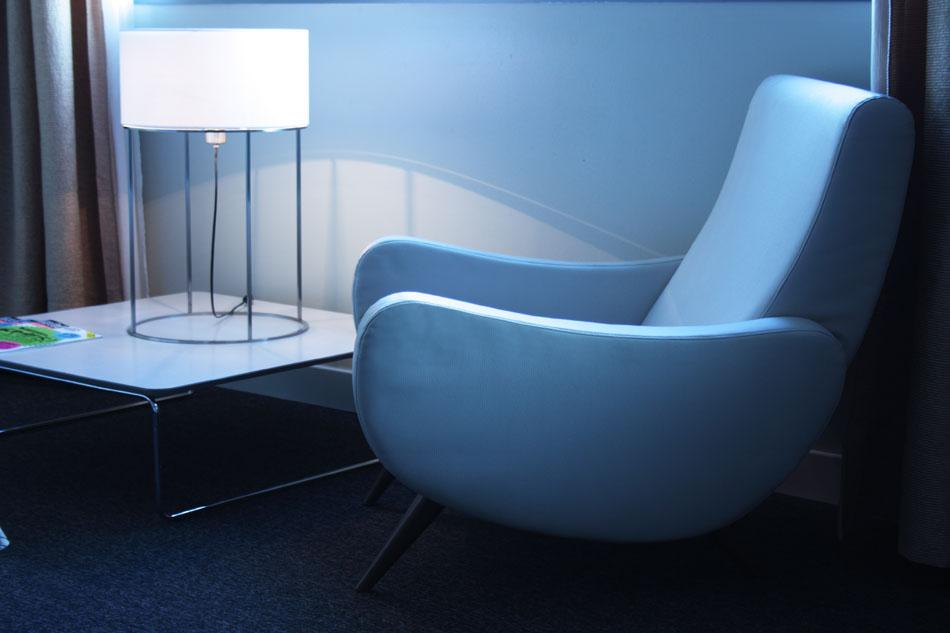 2098 T30 Table Lamp Nickel lampshade Lisa Beige