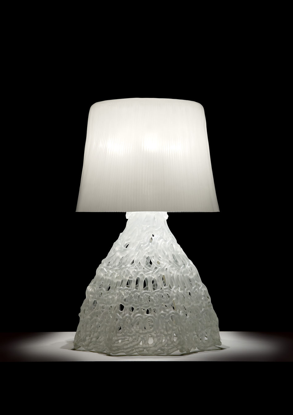 Larsson T Table Lamp white