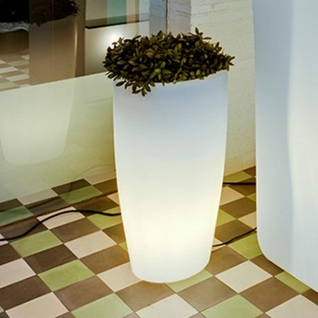 Bambu 70 planter iluminado solar LED RGB 40x70cm