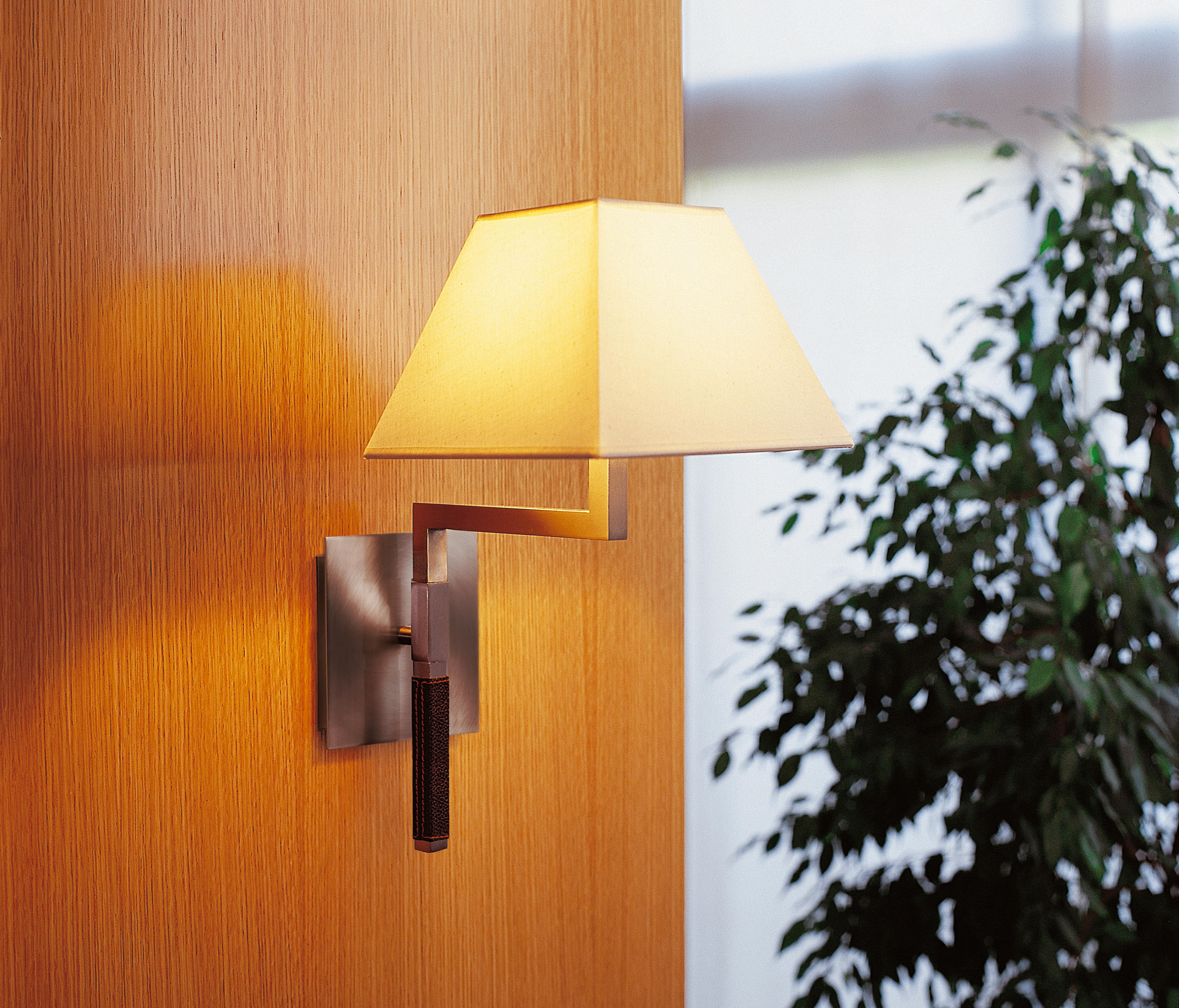 Carlota (Solo Structure) Wall Lamp without lampshade 23cm E27 46w Chrome Shiny