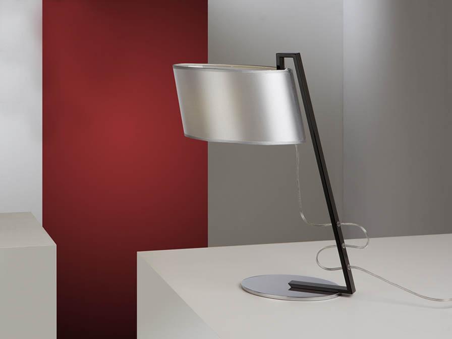 Flow Table Lamp 1L Black Brillo + lampshade Silver