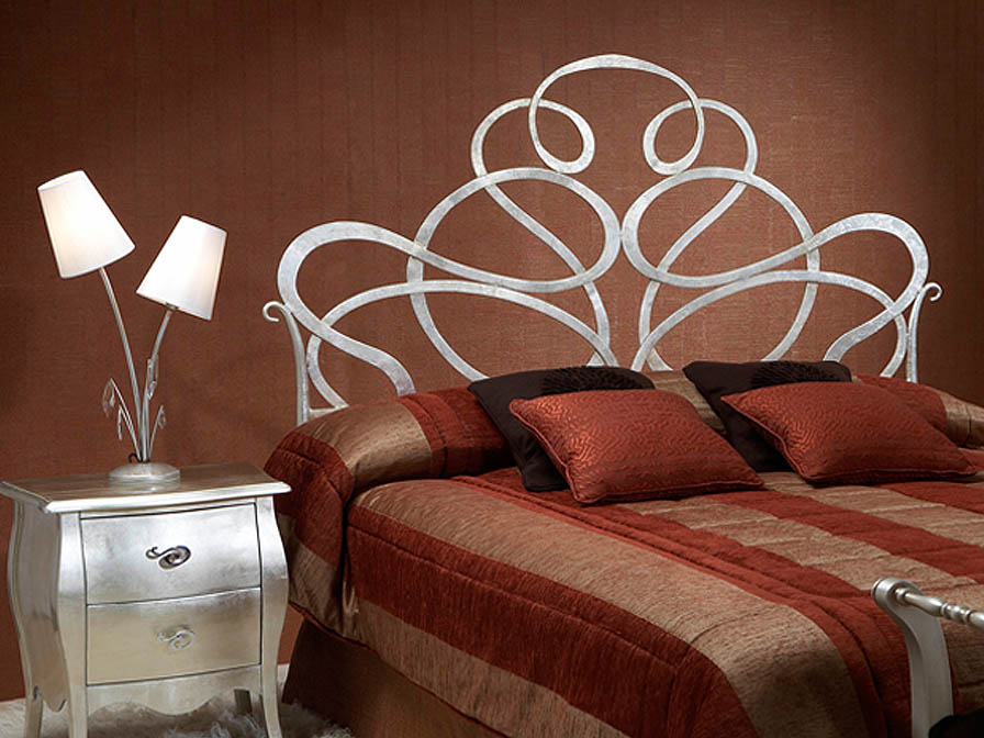 Venecia bed of headboard II 150cm Silver aged
