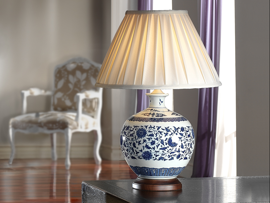 ceramics Table Lamp white /Blue with lampshade