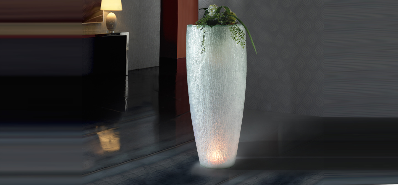 Astrid 120 Macetero con luz LED poliresina