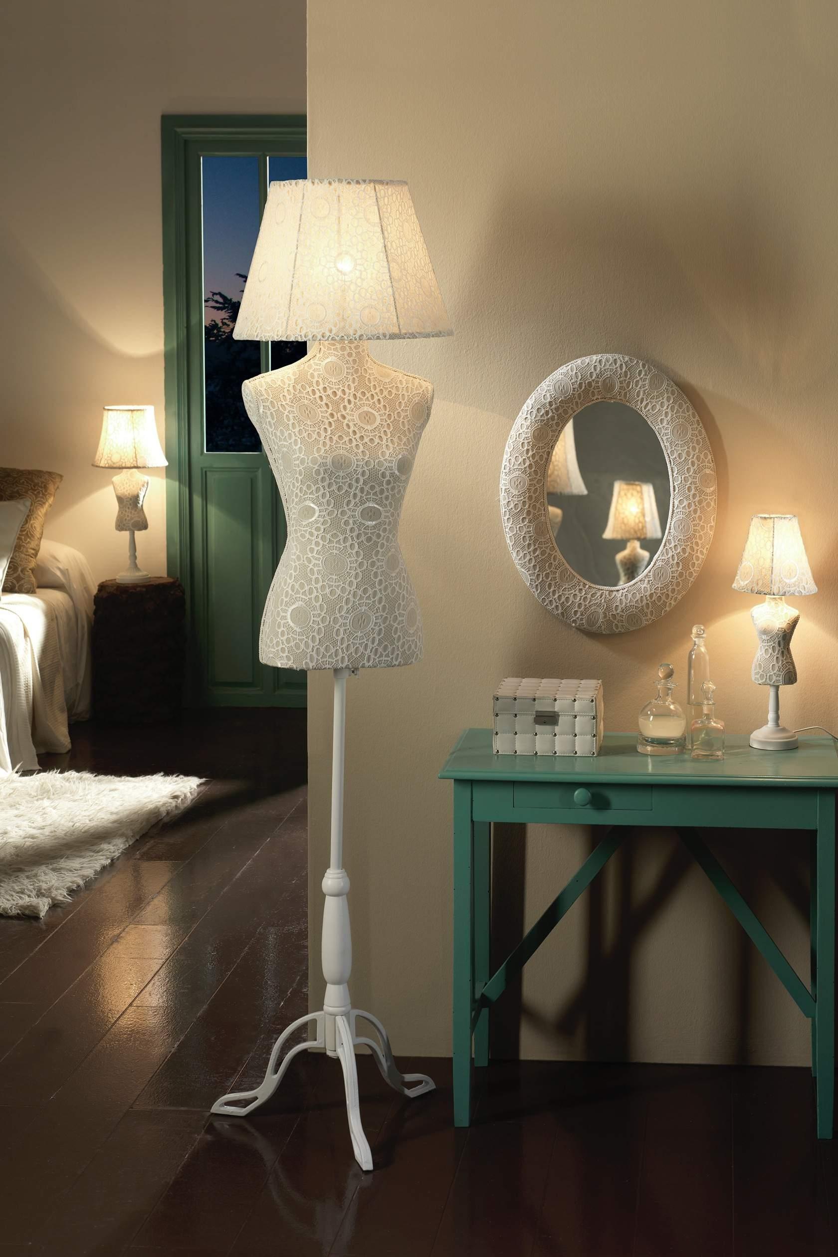 Vogue lámpara de Pie Croche