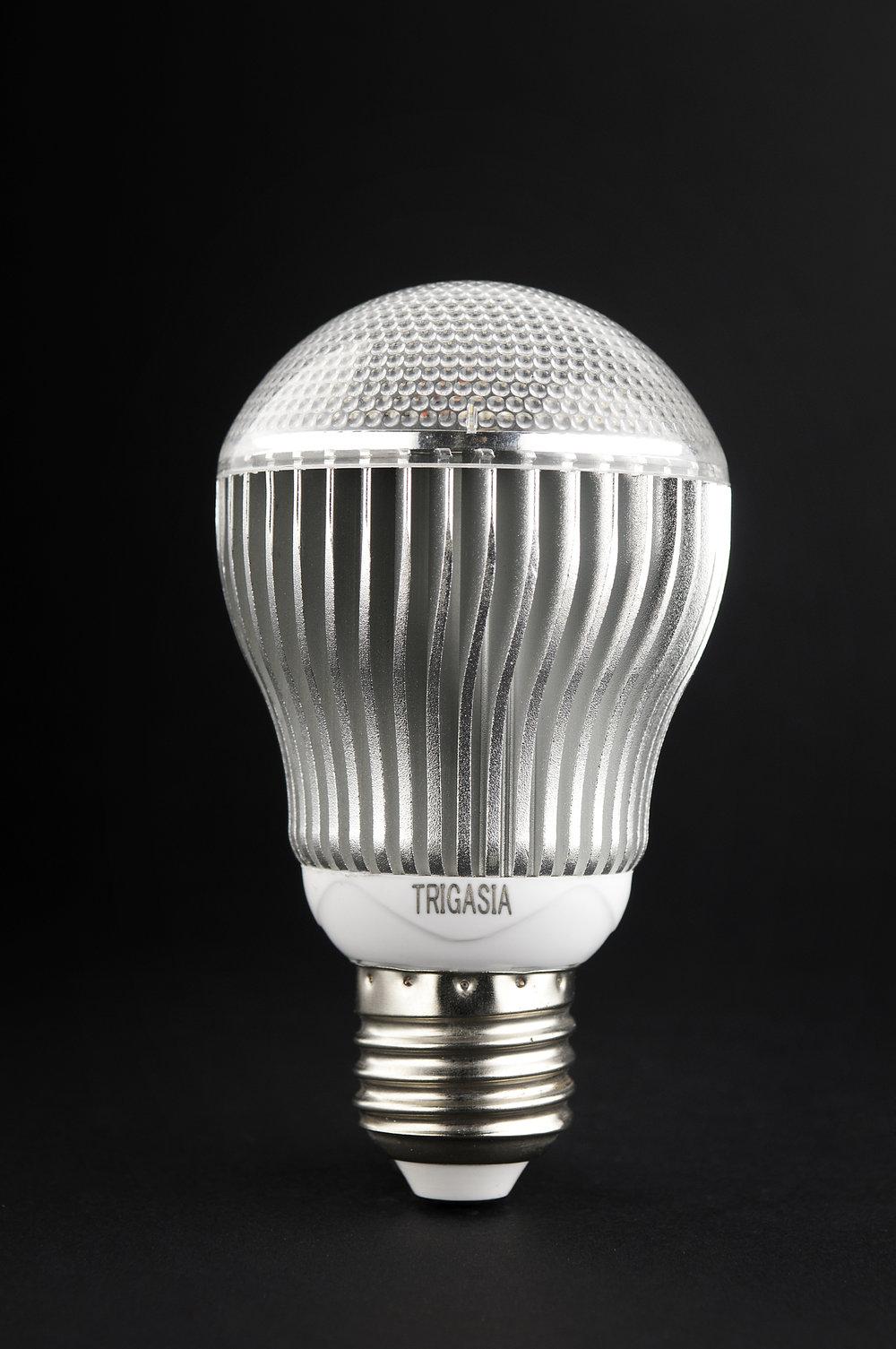 SERIE TG LED Bombilla Cuerpo Aluminio, óptica policarbonato Transparente E27 5x5W