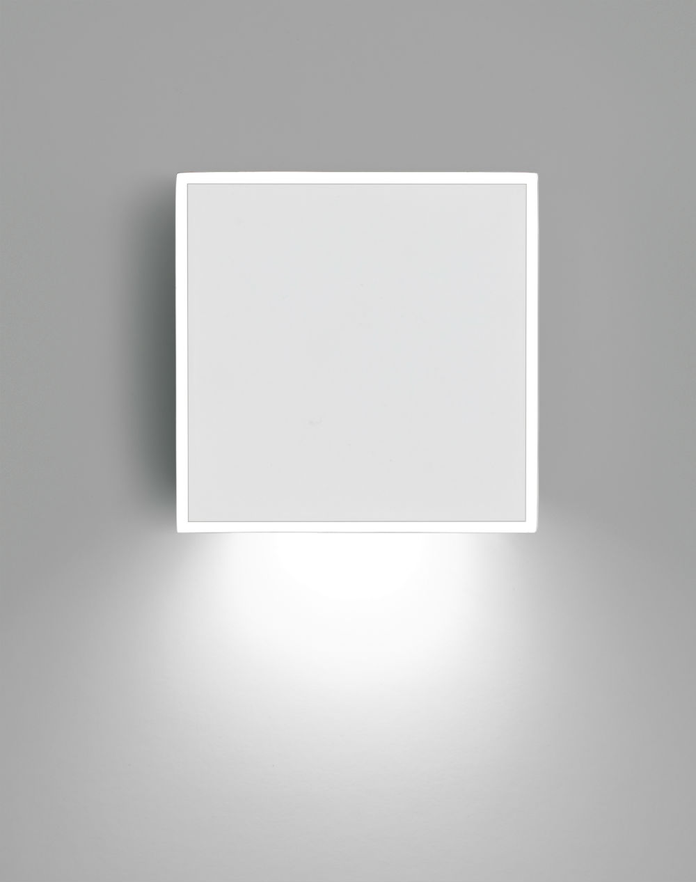 Alpha Wall Lamp Square - Lacquered white matt and Chrome