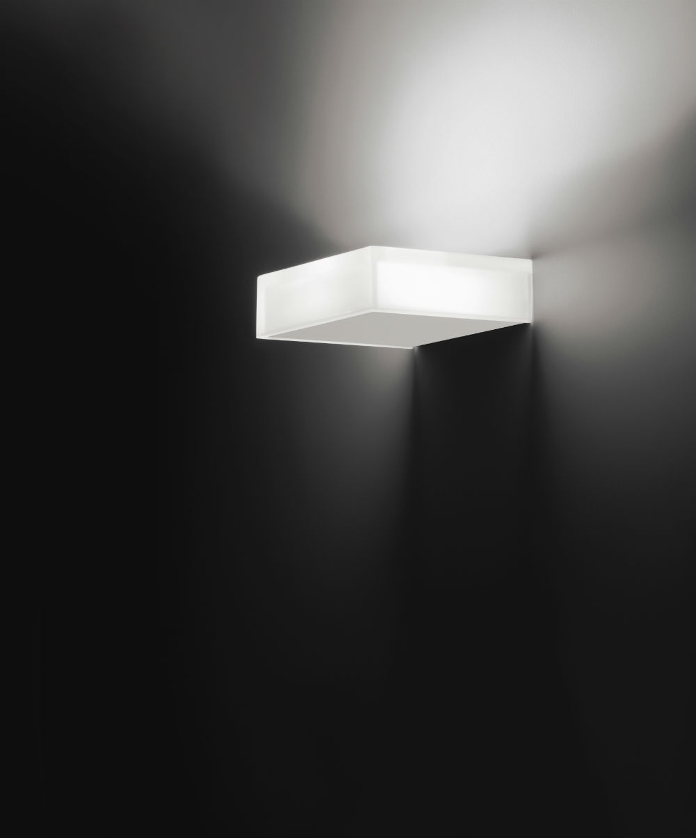 Beta Wall Lamp perpendicular to wall white