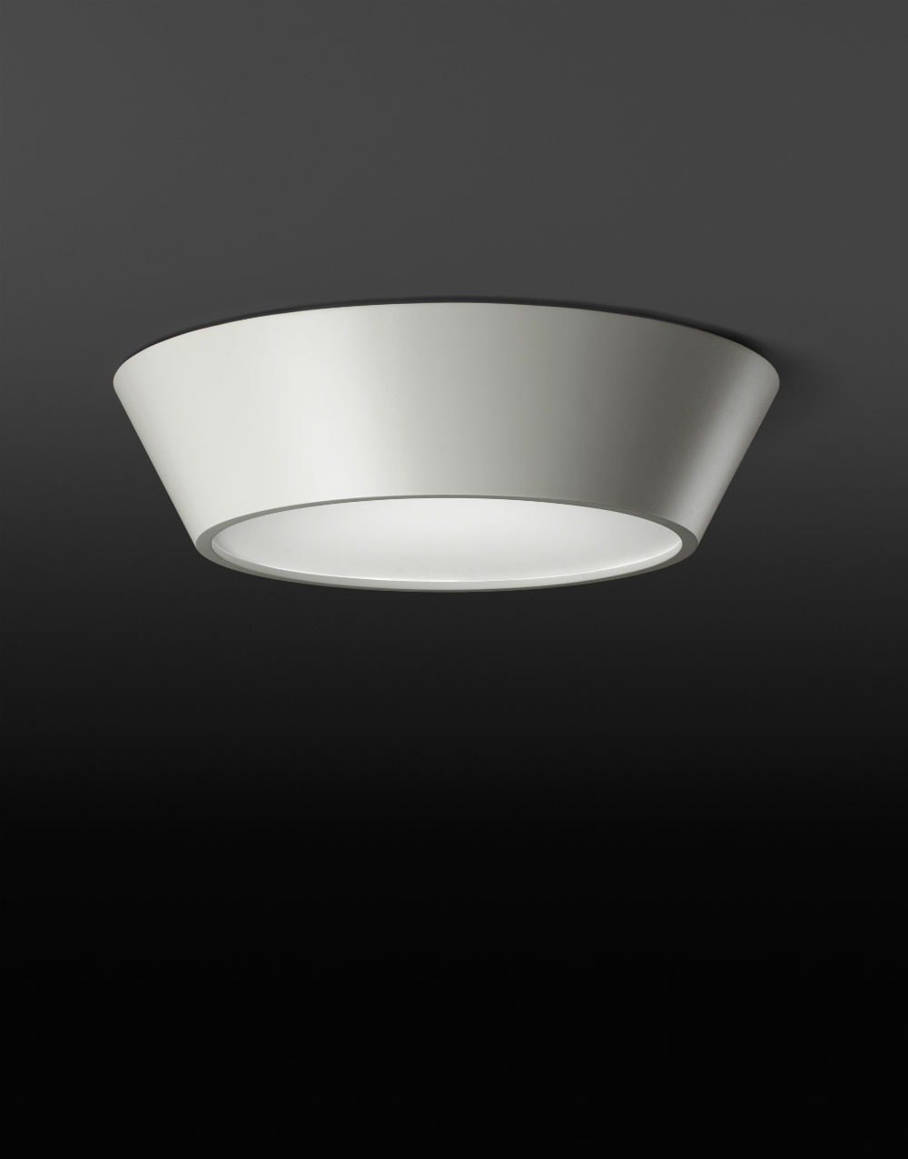 Plus ceiling lamp 120cm asimétrico - white