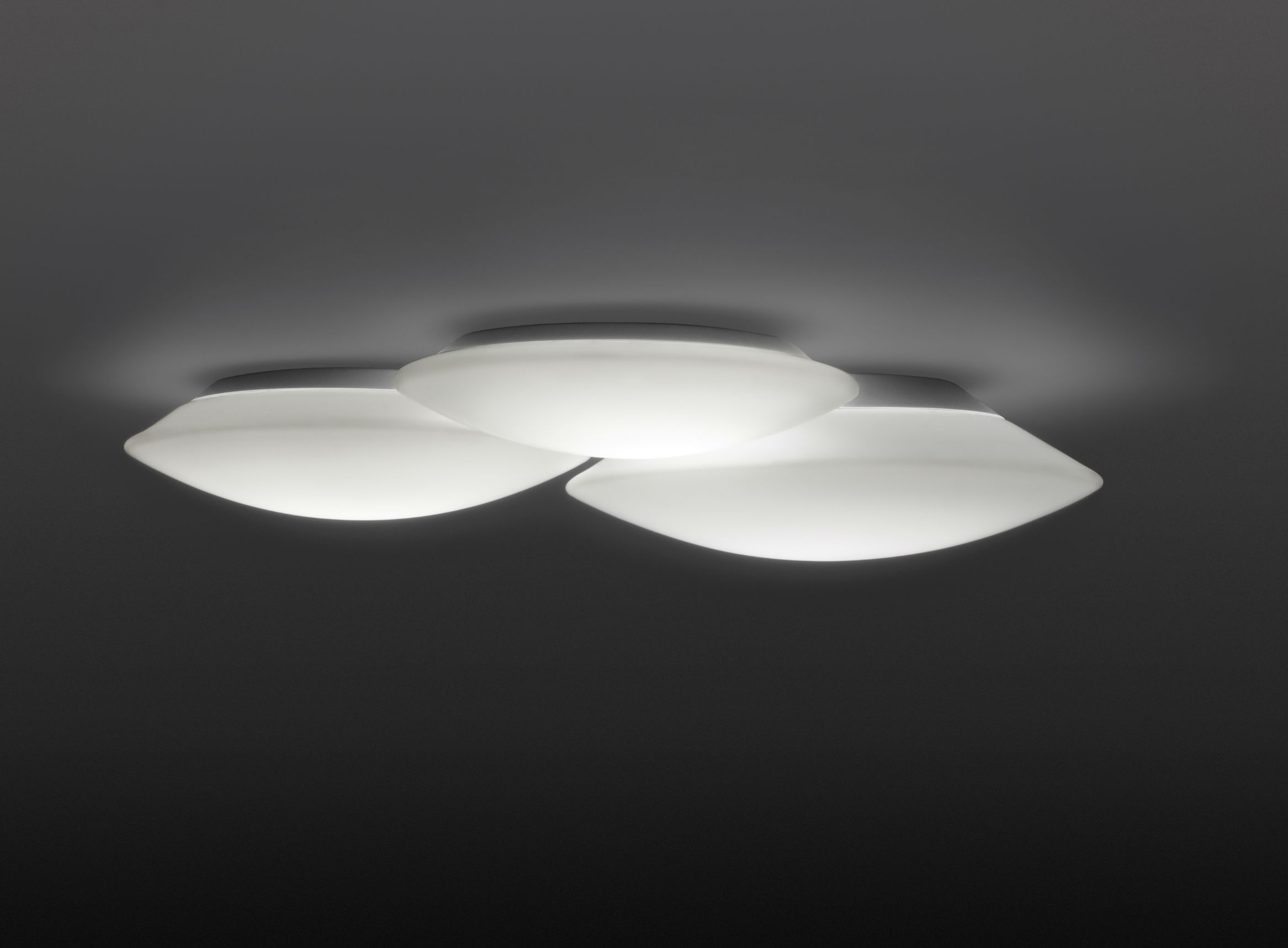 Puck triple Ceiling lamp Fluorescent in white