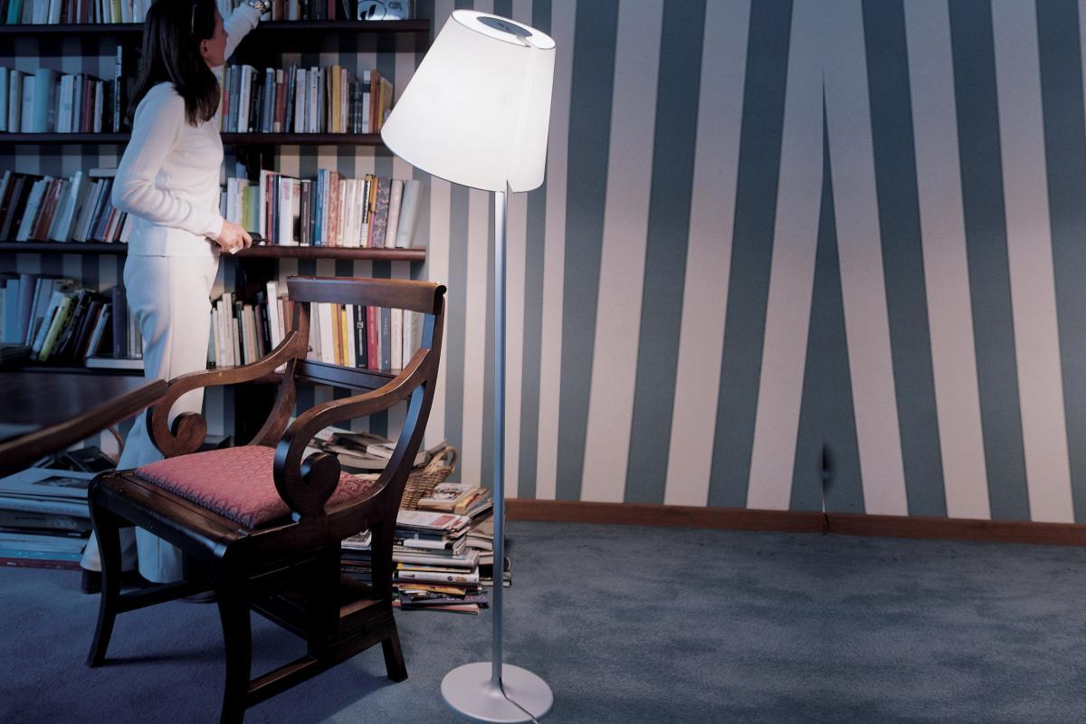artemide melampo mega tierra stehlampe gro e27 0577020a l mparas de dise o. Black Bedroom Furniture Sets. Home Design Ideas