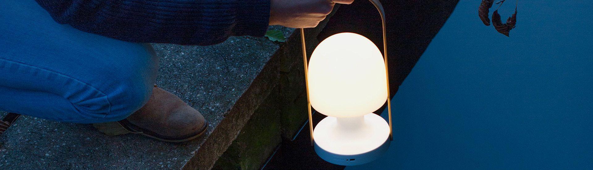 Follow Me Lampe portative LED 3,2W 2700K 240lm Blanc