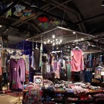 iGuzzini ilumina el negocio comercial Desigual en París