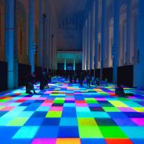 Magic Carpets, un regalo de luces y formas bajo los pies