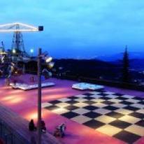 iGuzzini ilumina espacios públicos como El Parque del Tibidabo