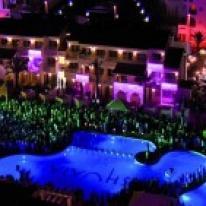 Philips, Hotel Ushuaia en Ibiza