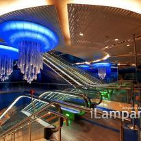 Lámpara exclusiva en la estación BurJuman de Dubai
