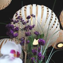 Pod y Poppy de LZF Lamps en GinYuu Restaurant