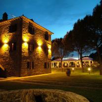 Arcluce añade iluminación a la tradición de Relais La Corte Dei Papi