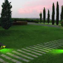Iluminación que se integra con el entorno natural