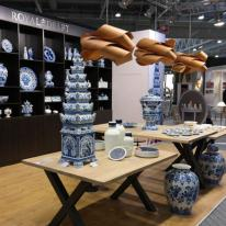 LZF Lamps y Royal Delft, lámparas en madera