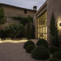 Vibia: apliques y lámparas colgantes para exterior
