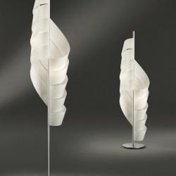 Gilda 50 lámpara de Pie Cromo Satinado 145cm Policarbonato opal blanco