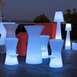Capri 110 table iluminada bater­a recargable LED RGB 60x110cm
