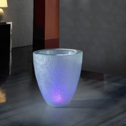 Astrid 61 planteur avec lumière LED poliresina