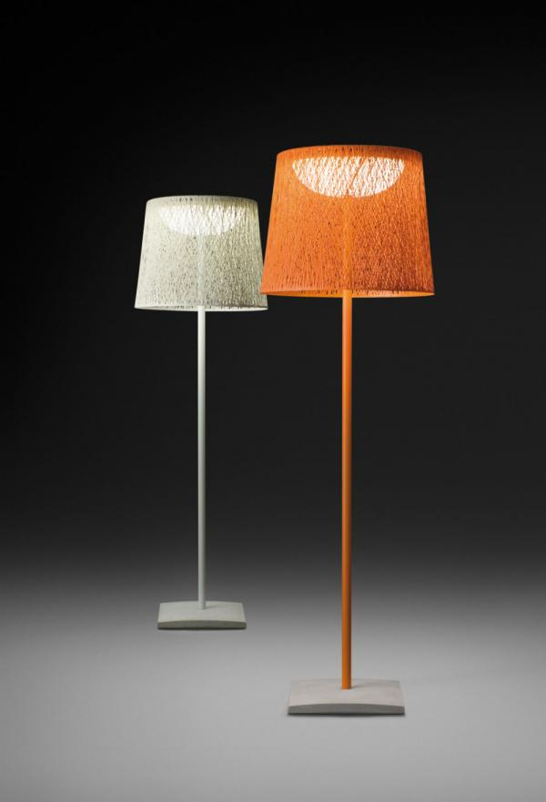 Imagen 1 de Wind Lámpara de Pie Exterior 1x2GX13 40W con Base cemento - Fibra de Vidrio Naranja