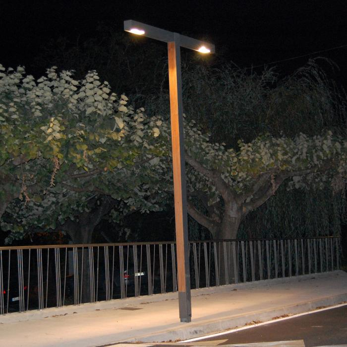 Imagen 1 de Zenete 400 2 Farola LED 2x33,6W - metal y Madera