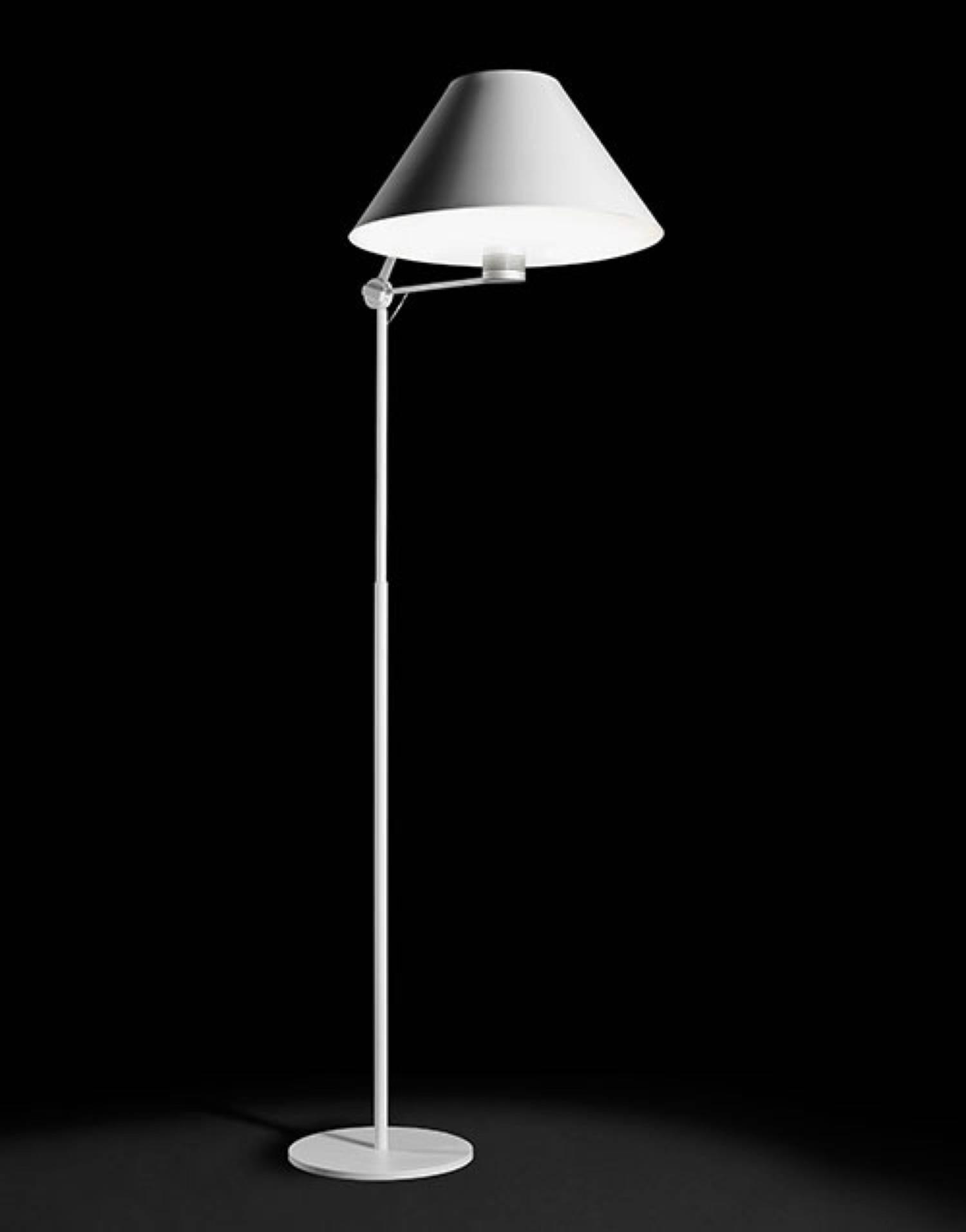 antonangeli cinema l mpara de lampadaire cinf02bibi l mparas de dise o. Black Bedroom Furniture Sets. Home Design Ideas