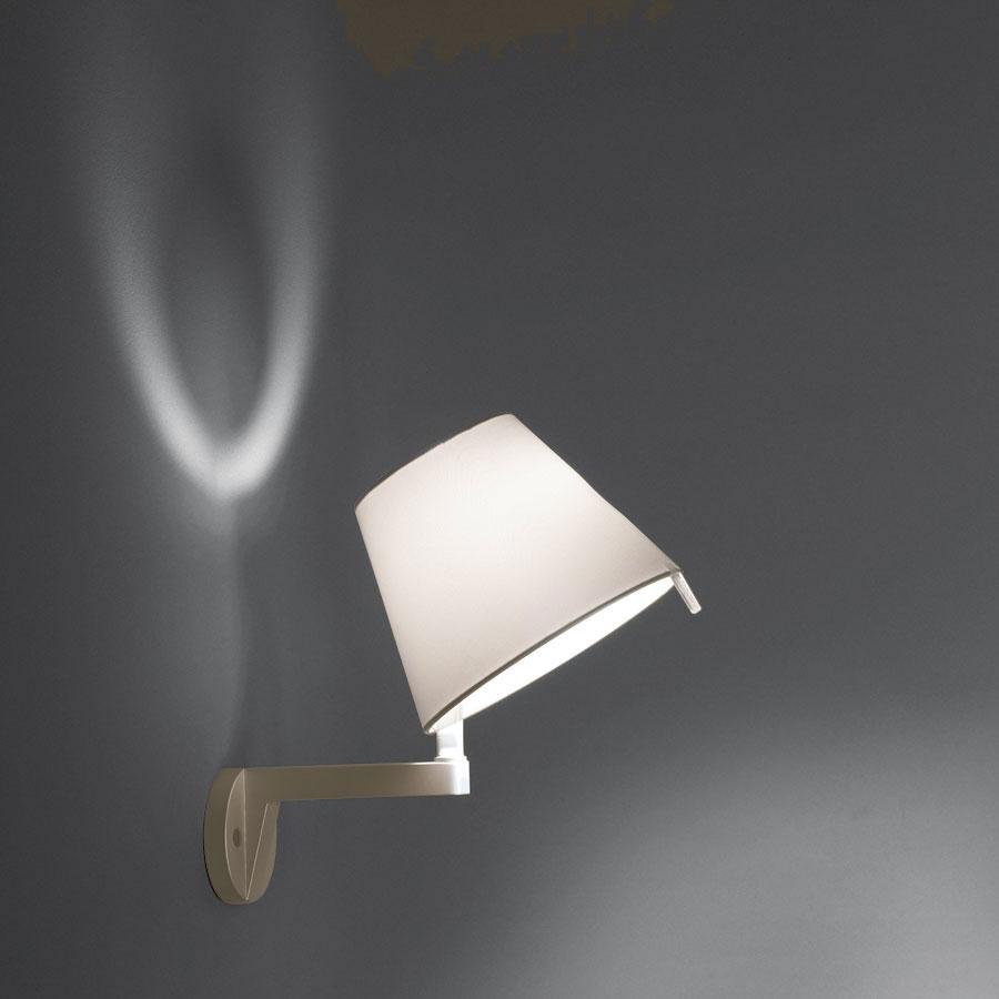 artemide melampo applique con interruttore e14 0721020a. Black Bedroom Furniture Sets. Home Design Ideas