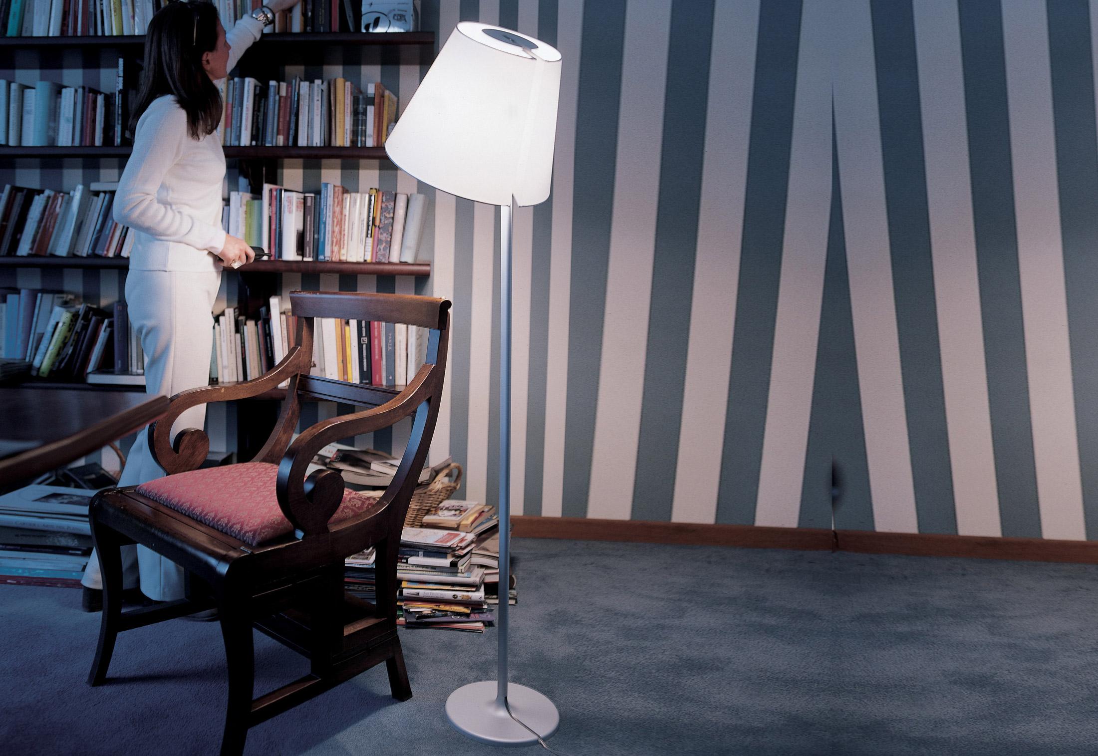 artemide melampo mega tierra stehlampe gro e27 0577010a. Black Bedroom Furniture Sets. Home Design Ideas