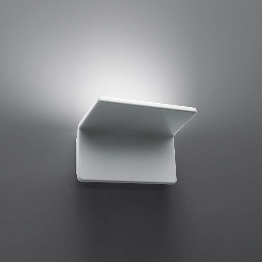 Artemide cuma aplique de pared 1x21w led 1154010a for Apliques de led para escaleras