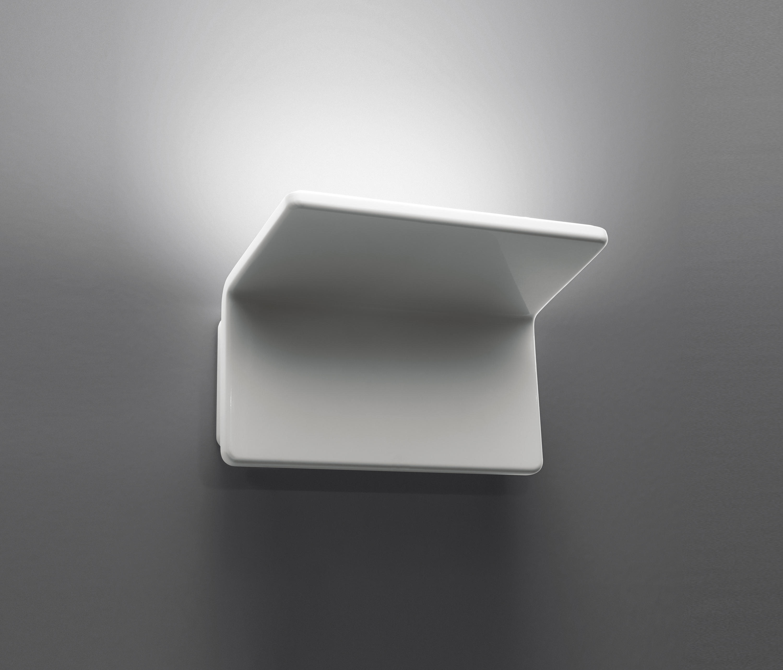 artemide cuma 20 wall lamp 28w led 3000k white 1152010a. Black Bedroom Furniture Sets. Home Design Ideas
