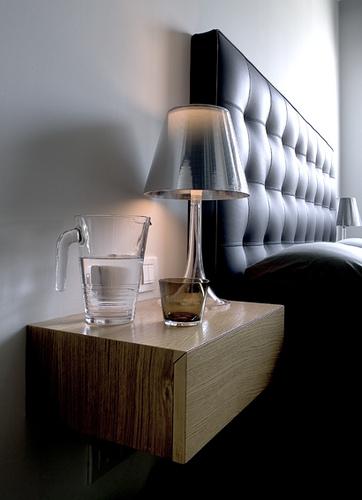 flos miss k t tischleuchte e27 70w f6255000. Black Bedroom Furniture Sets. Home Design Ideas