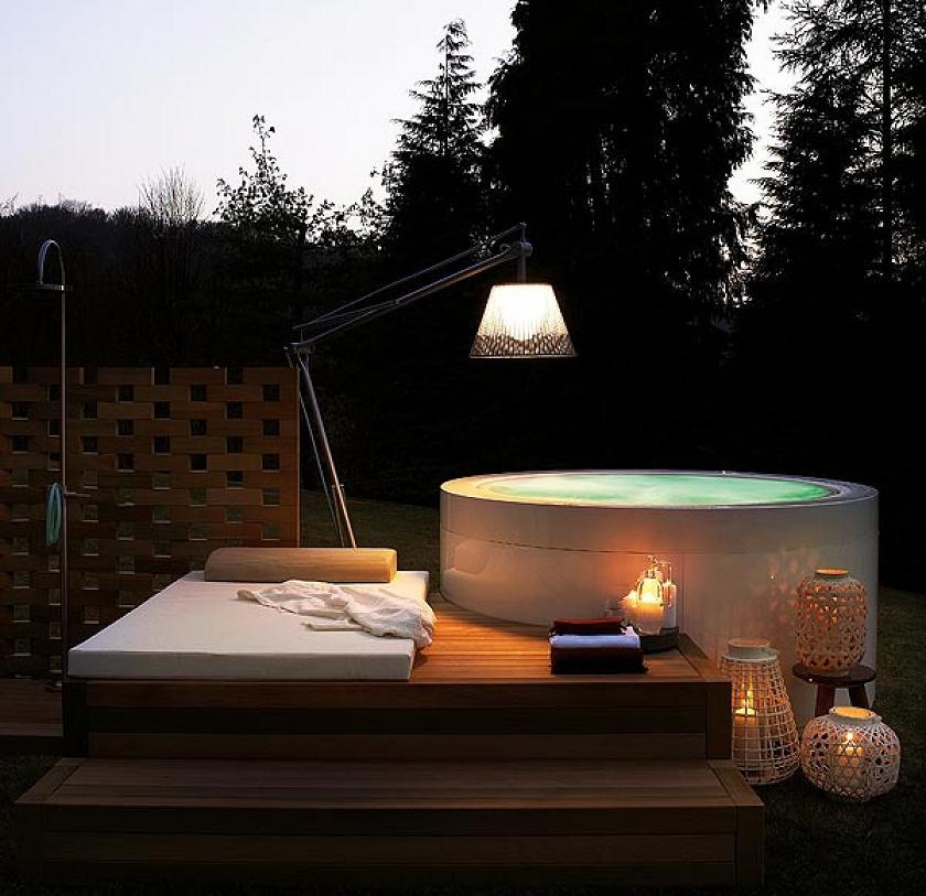 Superarchimoon lámpara of Floor Lamp Outdoor IP 55 E27 QT48 Titanium Panama Flos Image