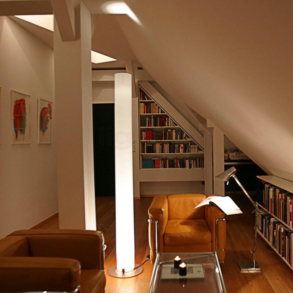 flos stylos l mpara de lampadaire gris f6310004 l mparas de dise o. Black Bedroom Furniture Sets. Home Design Ideas