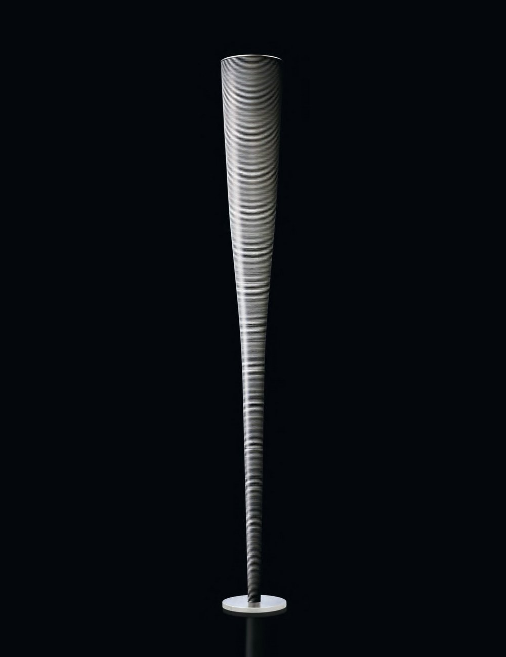 foscarini mite floor lamp led black 111003l 20 l mparas. Black Bedroom Furniture Sets. Home Design Ideas