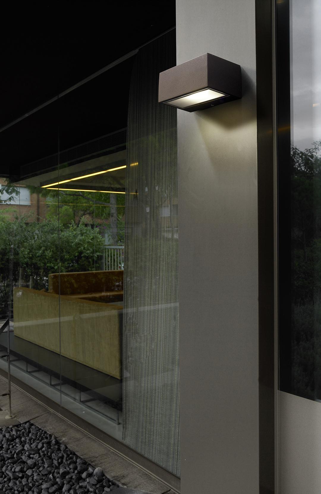 leds c4 nemesis wall lamp outdoor 17x11x7cm r7s 05 9177 14 b8 l mparas de dise o. Black Bedroom Furniture Sets. Home Design Ideas