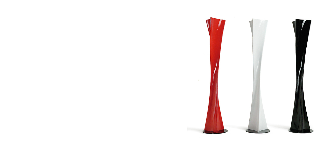 Mantra twist l mpara de lampadaire salon rouge 0587l for Grandes lampes de salon